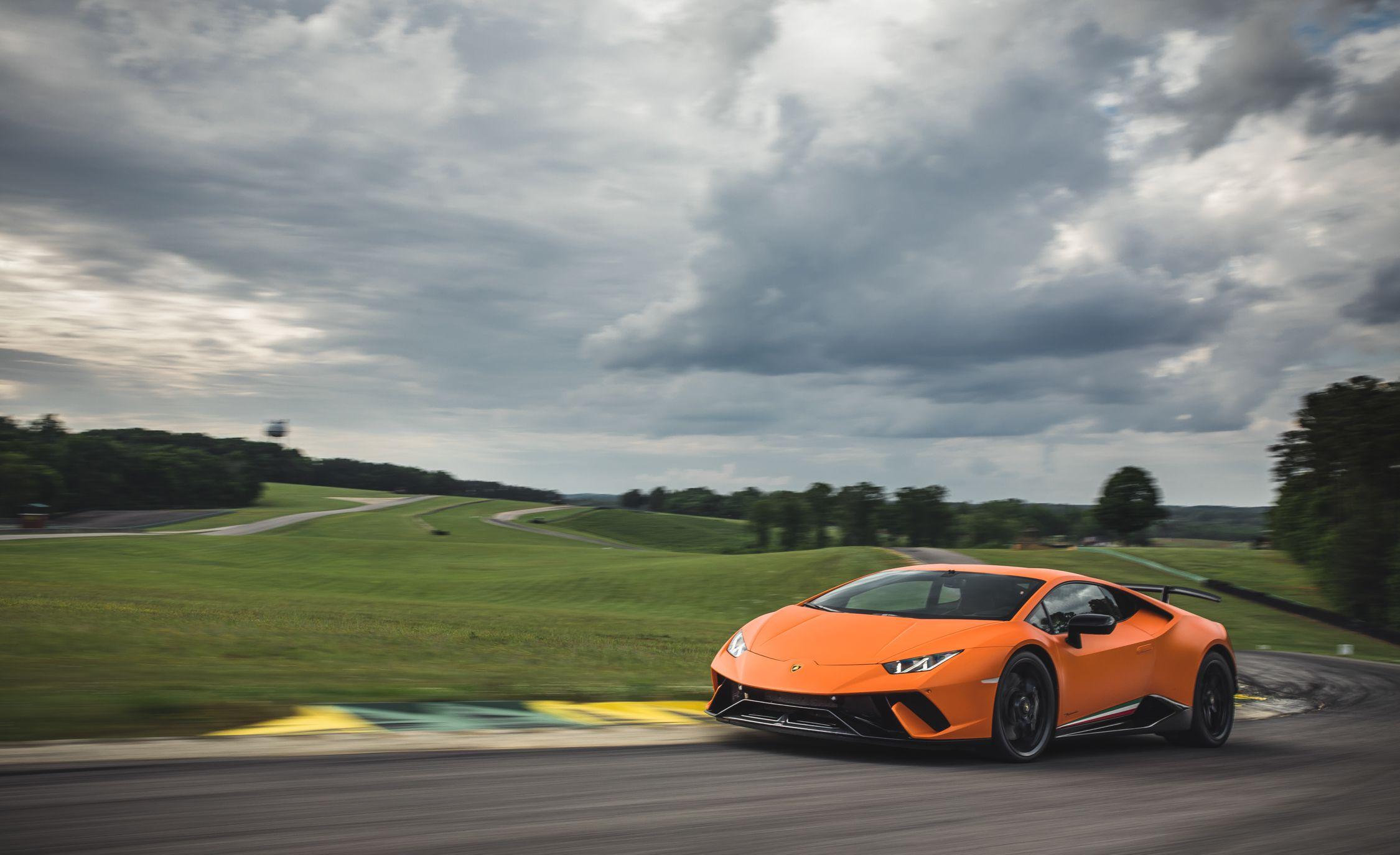 2018 Lamborghini Huracán Performante Front Three-Quarter Wallpaper (15)