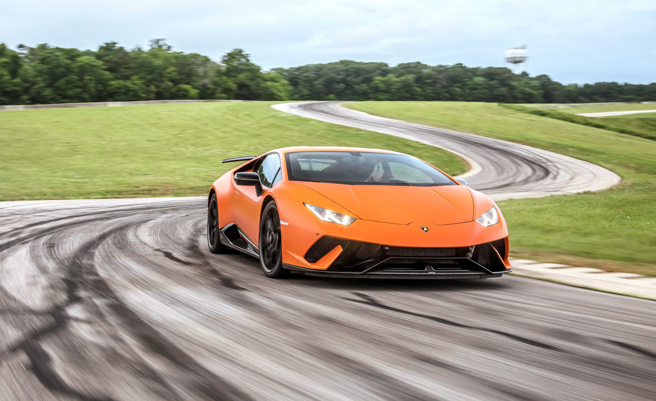 2018 Lamborghini Huracán Performante Front Wallpapers (7)