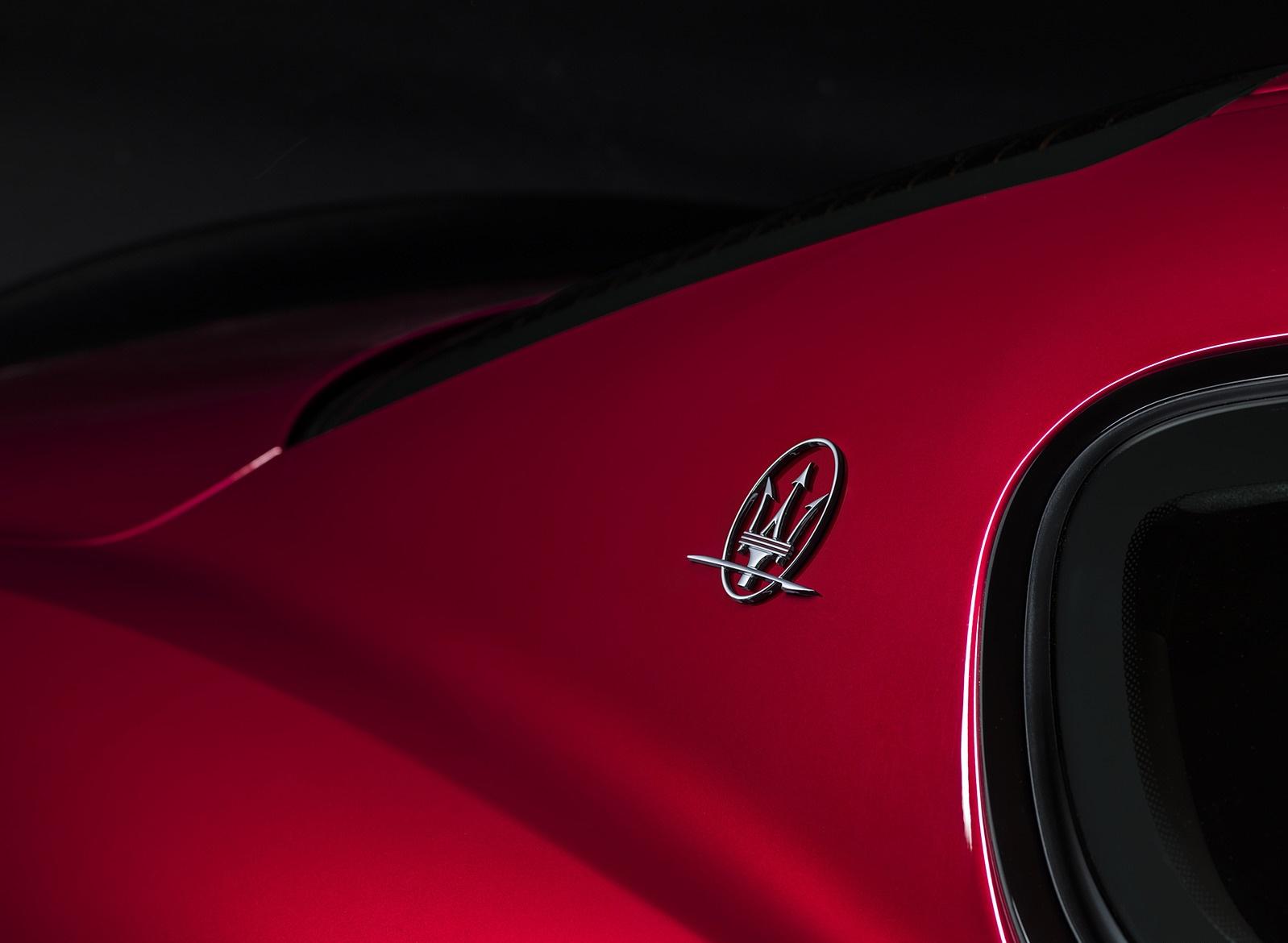 2018 Maserati GranTurismo MC Sport Line Badge Wallpapers (7)
