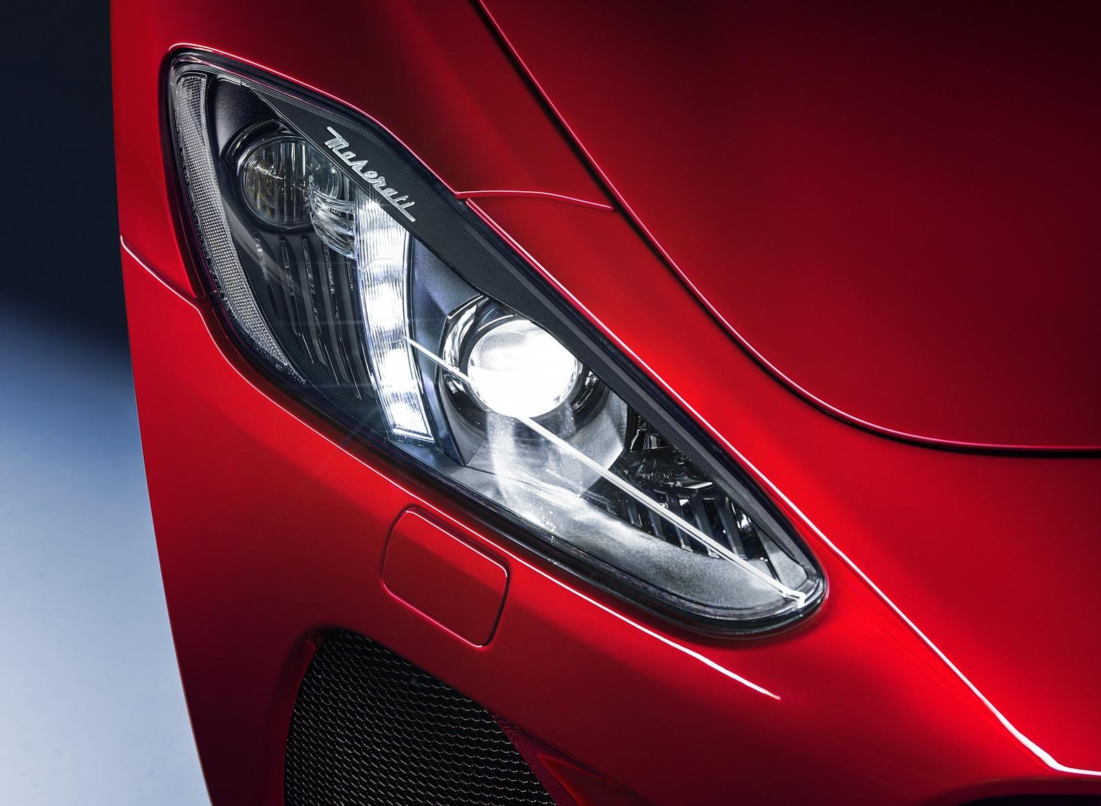 2018 Maserati GranTurismo MC Sport Line Headlight Wallpapers (10)