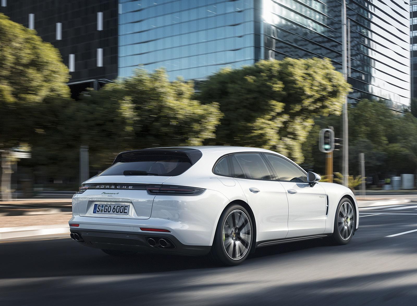 2018 Porsche Panamera 4 E-Hybrid Sport Turismo Rear Three-Quarter Wallpapers (11)