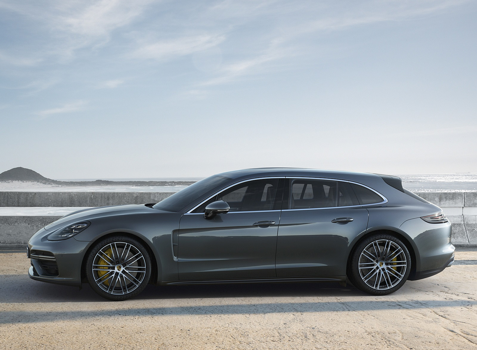 2018 Porsche Panamera Turbo Sport Turismo Side Wallpapers (3)