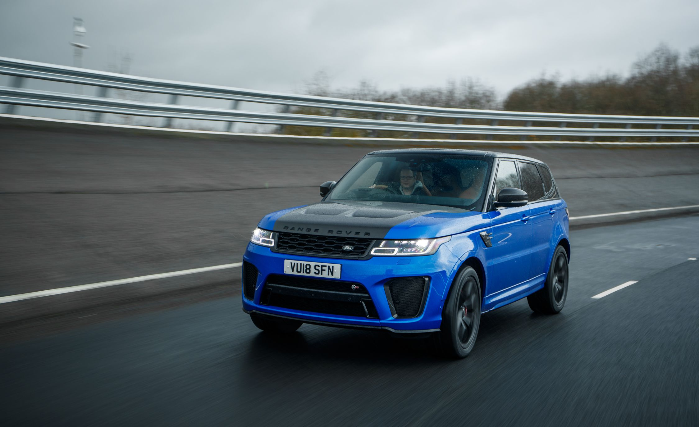 2018 Range Rover Sport SVR Front Three-Quarter Wallpapers (1)