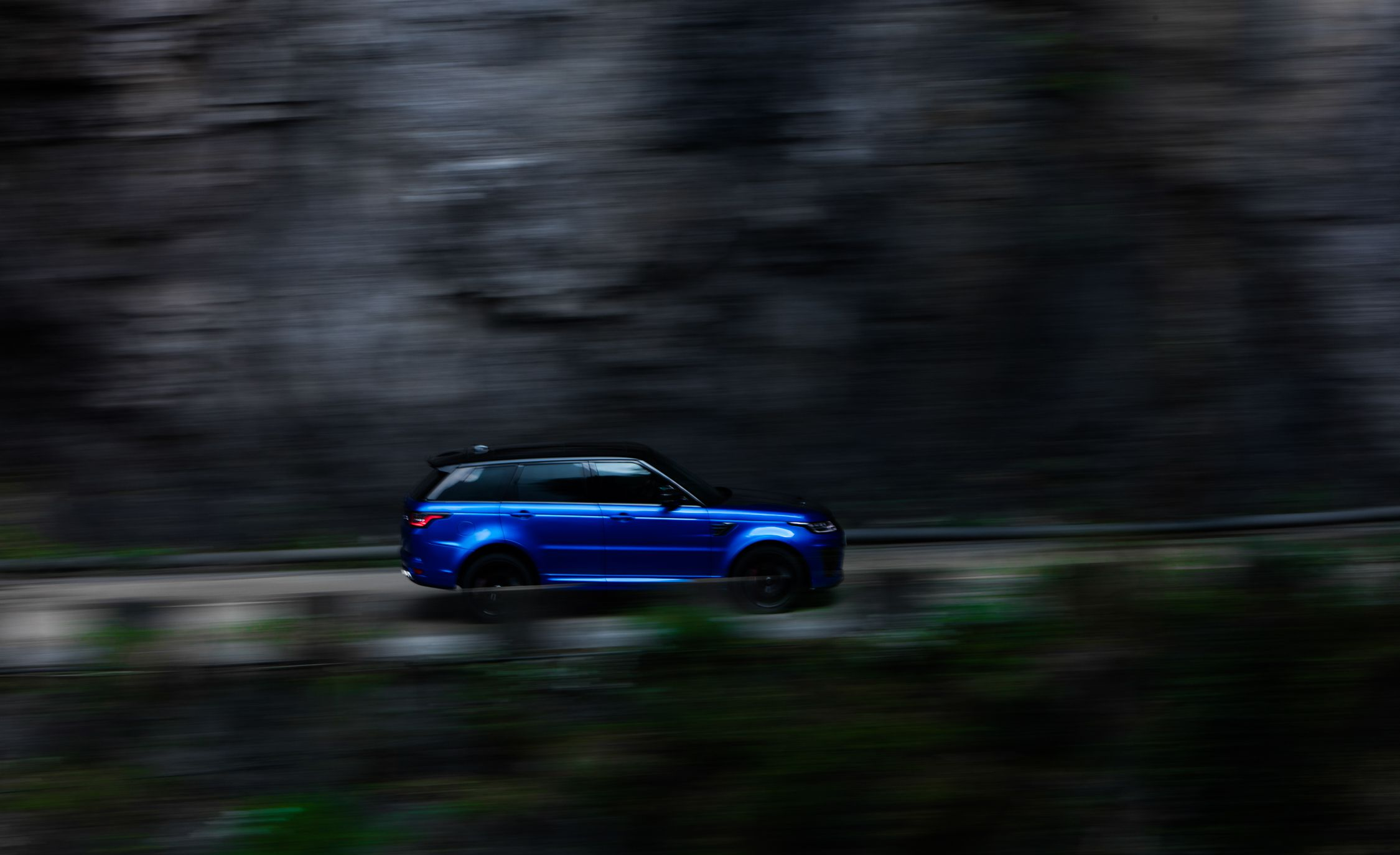 2018 Range Rover Sport SVR Side Wallpapers (6)