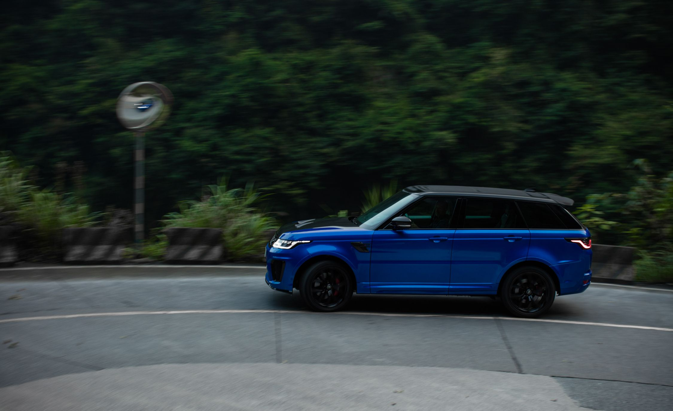 2018 Range Rover Sport SVR Side Wallpapers (5)