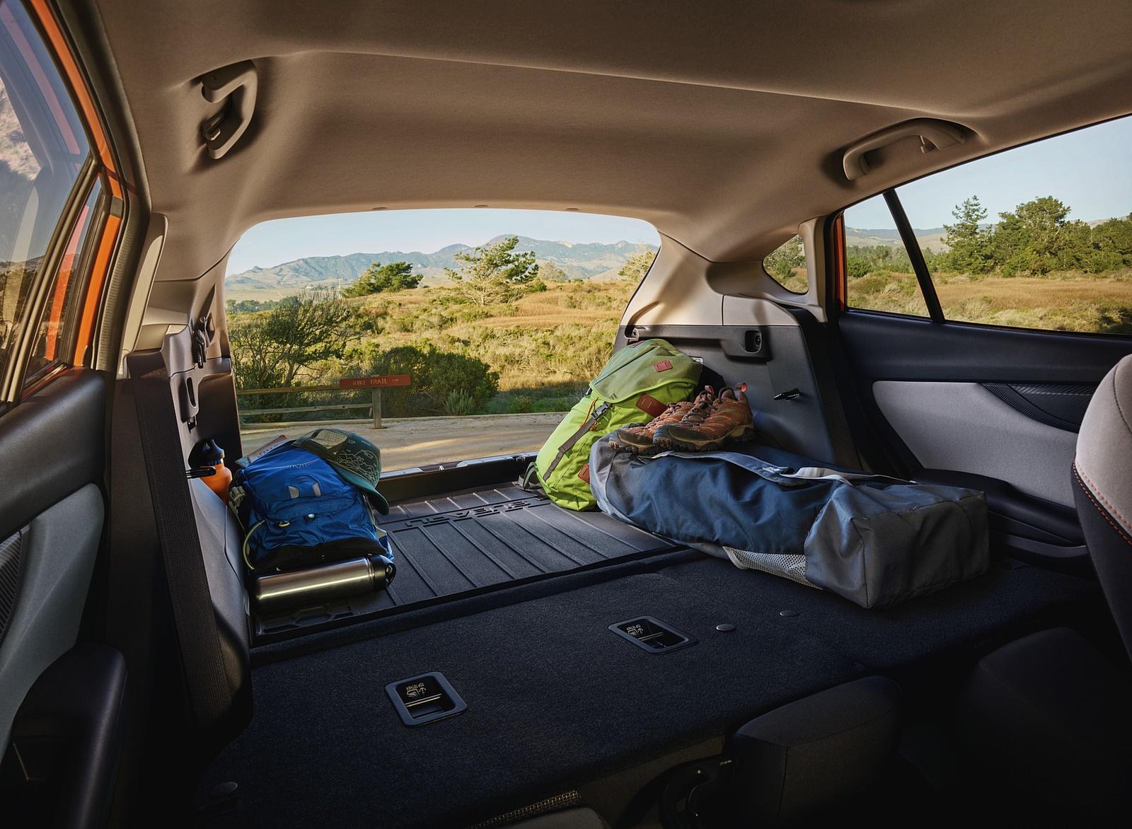 2018 Subaru Crosstrek Trunk Wallpapers (9)