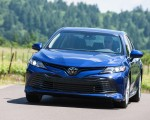 2018 Toyota Camry LE Front Wallpapers 150x120 (16)