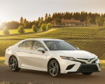 2018 Toyota Camry SE Front Three-Quarter Wallpapers 150x120 (25)