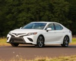2018 Toyota Camry SE Front Three-Quarter Wallpapers 150x120 (24)
