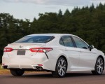 2018 Toyota Camry SE Rear Three-Quarter Wallpapers 150x120 (31)