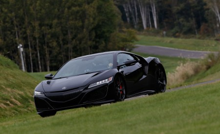 2019 Acura NSX (Color: Berlina Black) Front Three-Quarter Wallpaper 450x275 (55)