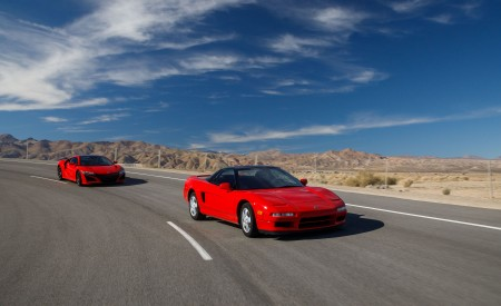 2019 Acura NSX (Color: Curva Red) and 1990 Acura NSX Front Three-Quarter Wallpaper 450x275 (2)