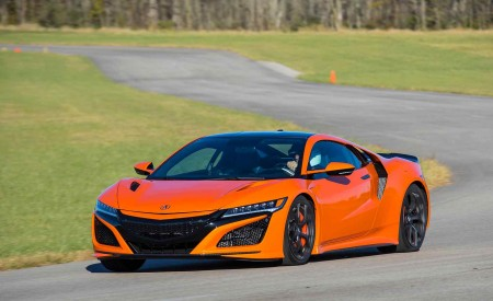 2019 Acura NSX (Color: Thermal Orange Pearl) Front Three-Quarter Wallpaper 450x275 (24)