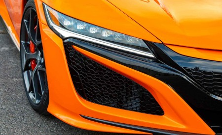 2019 Acura NSX (Color: Thermal Orange Pearl) Headlight Wallpaper 450x275 (36)