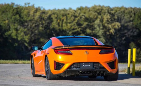 2019 Acura NSX (Color: Thermal Orange Pearl) Rear Three-Quarter Wallpaper 450x275 (31)