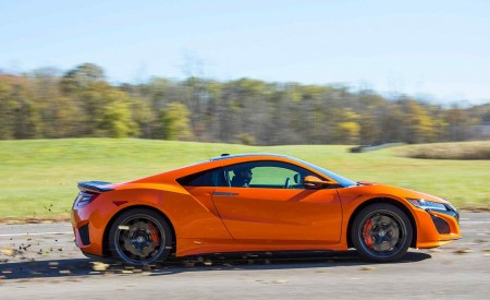 2019 Acura NSX (Color: Thermal Orange Pearl) Side Wallpaper 450x275 (32)
