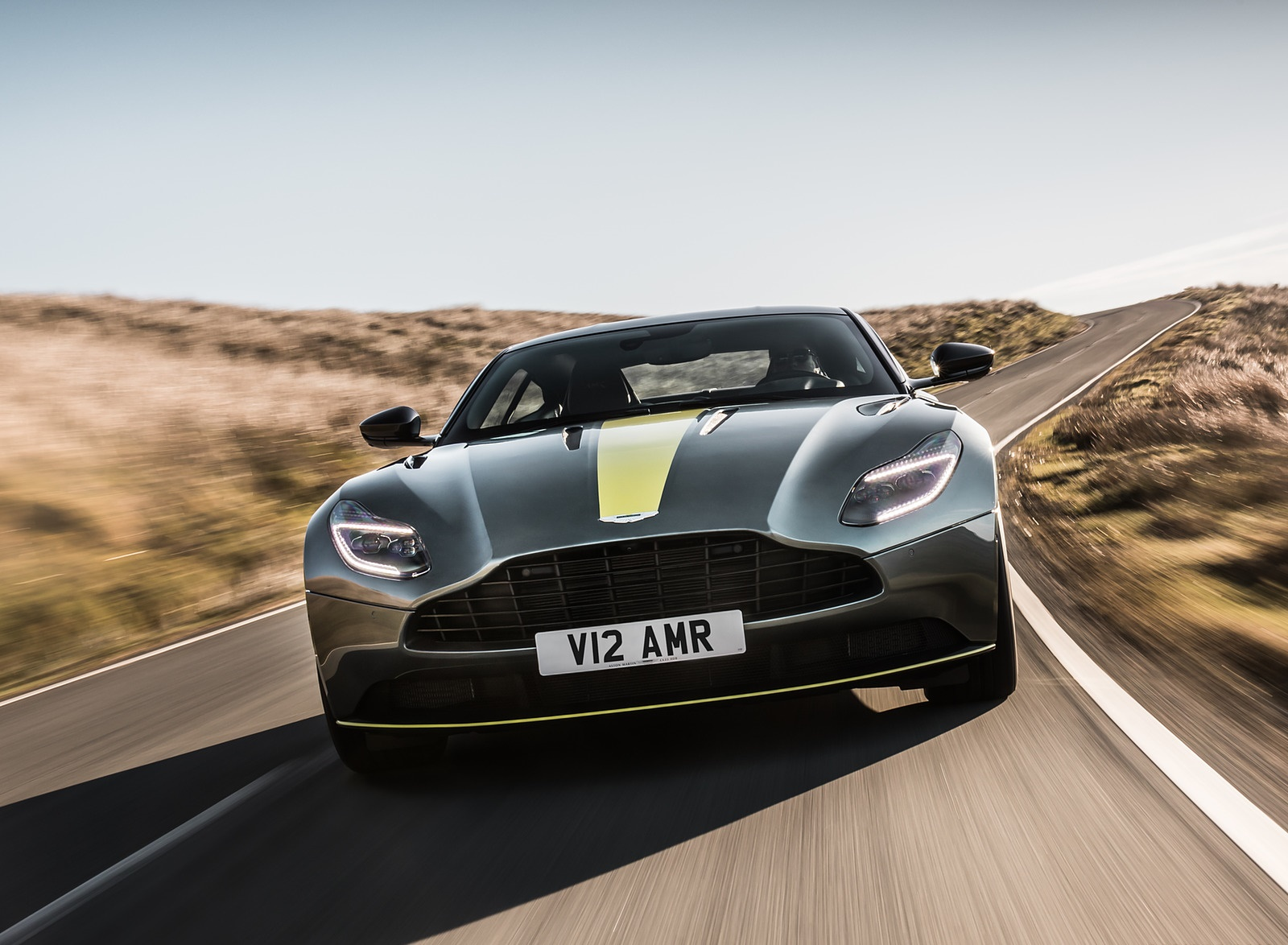 2019 Aston Martin DB11 AMR (Signature Edition) Front Wallpapers (13)