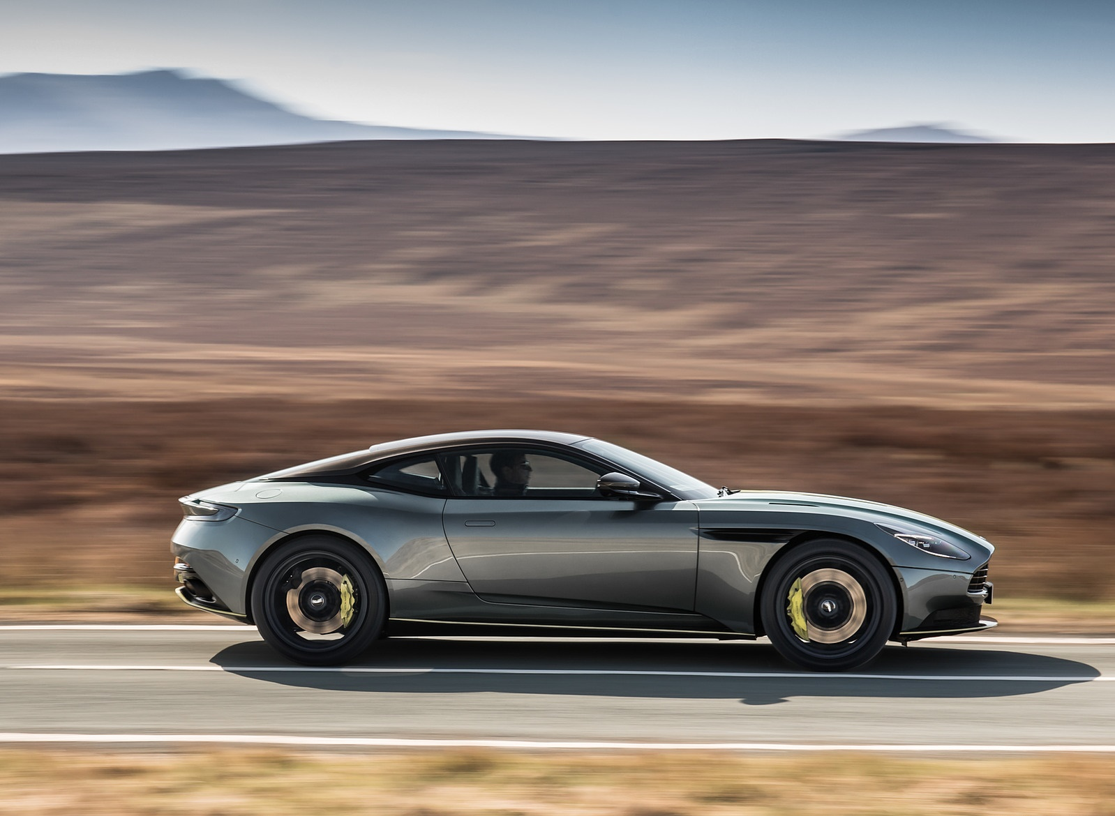 2019 Aston Martin DB11 AMR (Signature Edition) Side Wallpapers (10)