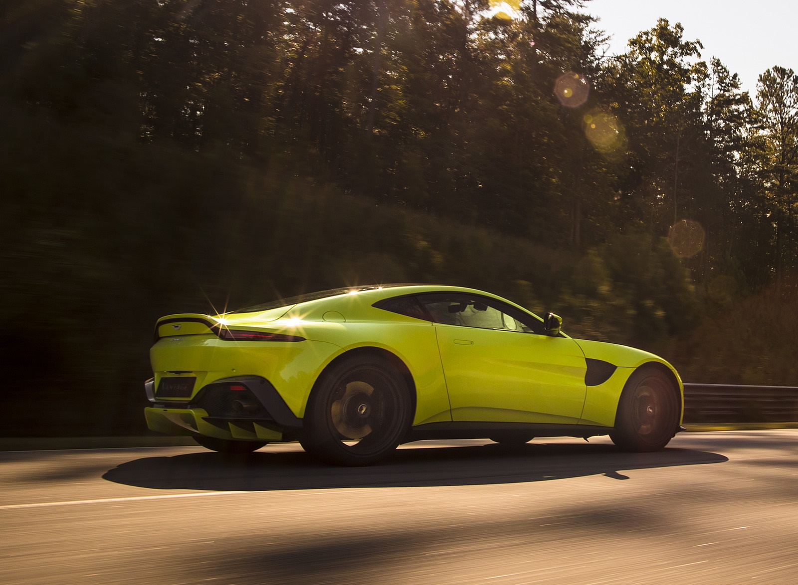 2019 Aston Martin Vantage Rear Three-Quarter Wallpapers (9)