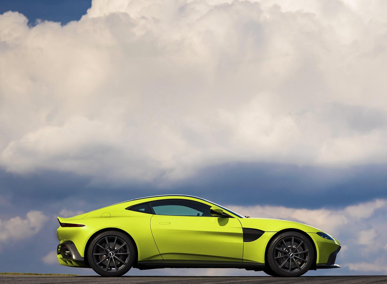 2019 Aston Martin Vantage Side Wallpapers (12)