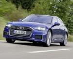 2019 Audi A6 Avant (Color: Sepang Blue) Front Three-Quarter Wallpapers 150x120 (29)