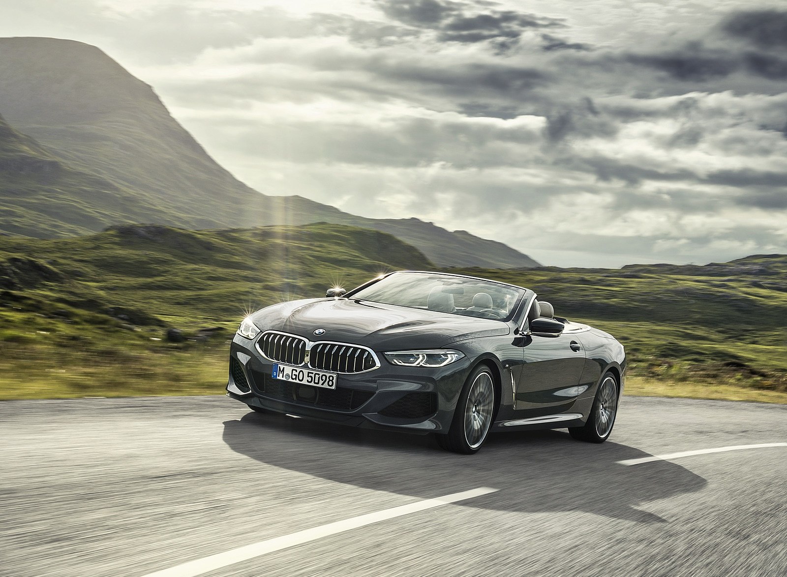 2019 BMW 8 Series M850i xDrive Convertible Front Three-Quarter Wallpapers (3)