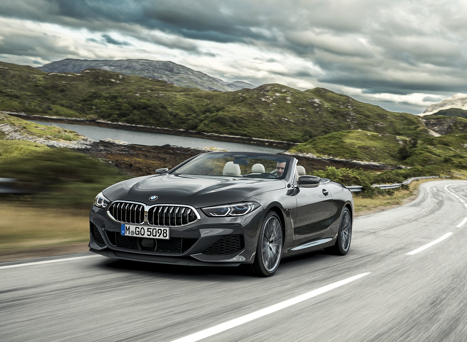 2019 BMW 8 Series M850i xDrive Convertible Front Three-Quarter Wallpapers (1)