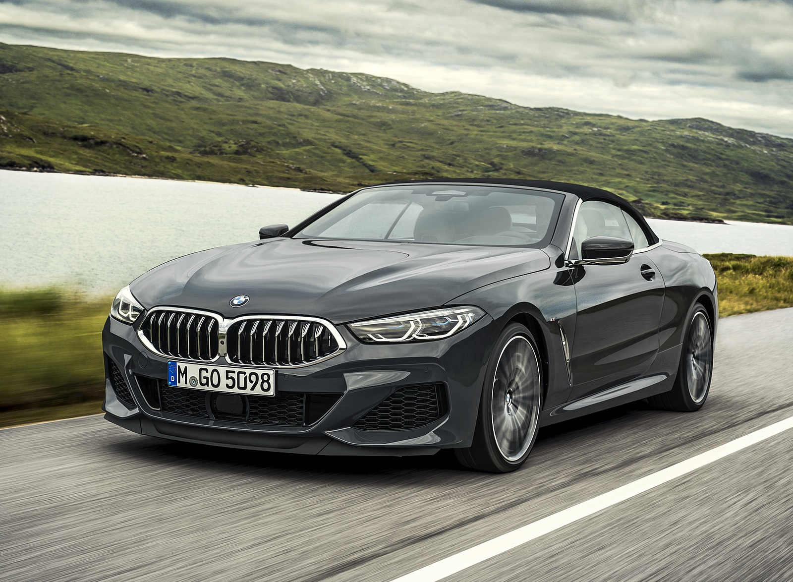 2019 BMW 8 Series M850i xDrive Convertible Front Three-Quarter Wallpapers (6)