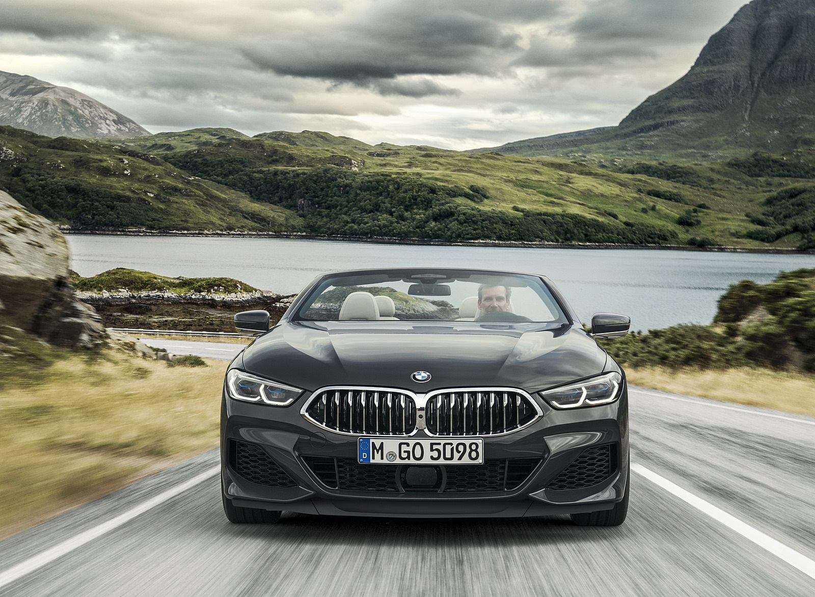 2019 BMW 8 Series M850i xDrive Convertible Front Wallpapers (2)