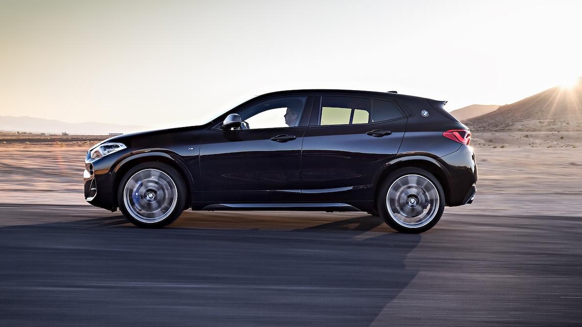 2019 BMW X2 M35i Side Wallpaper (7)
