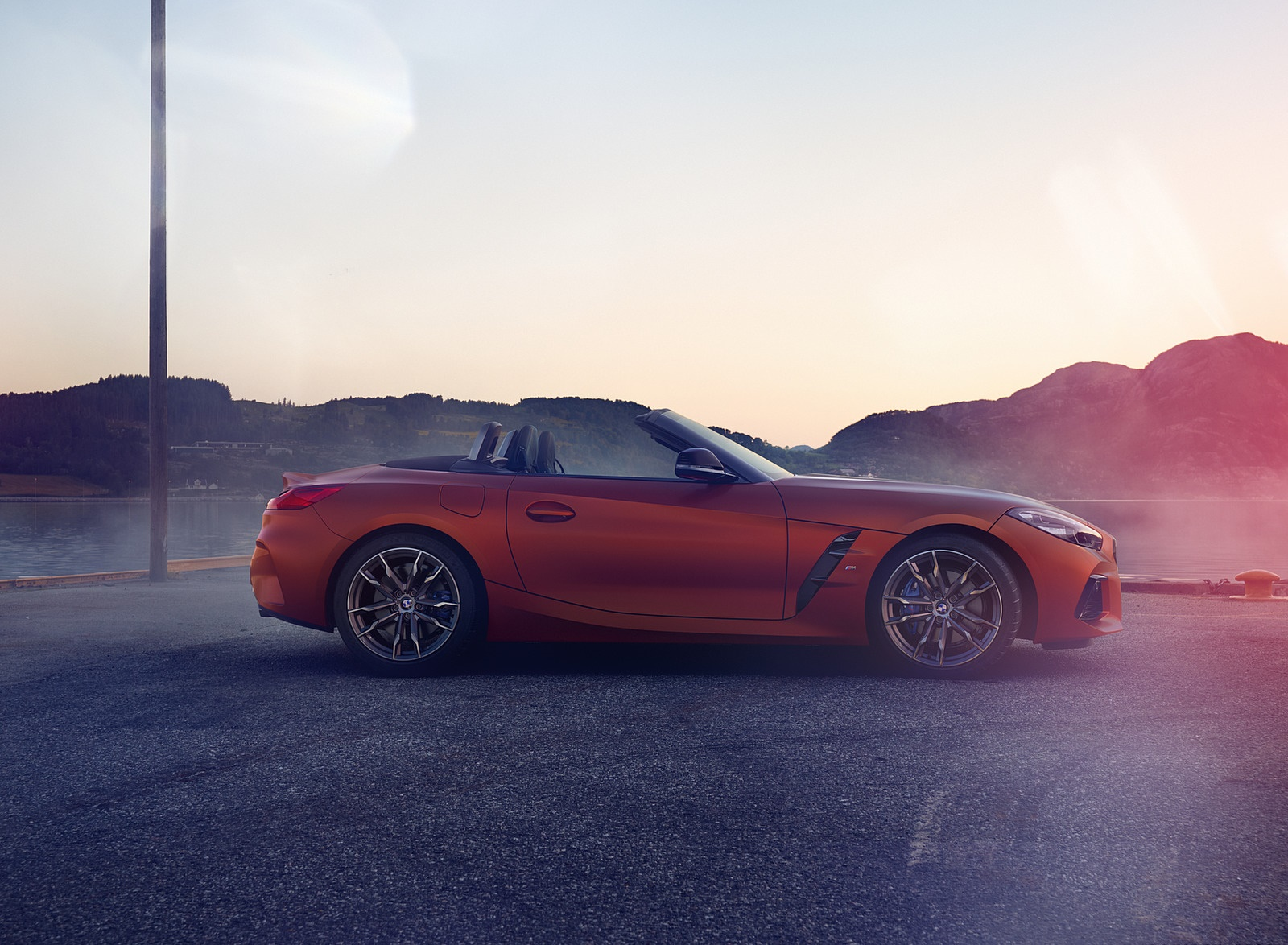 2019 BMW Z4 M40i First Edition Side Wallpapers (7)