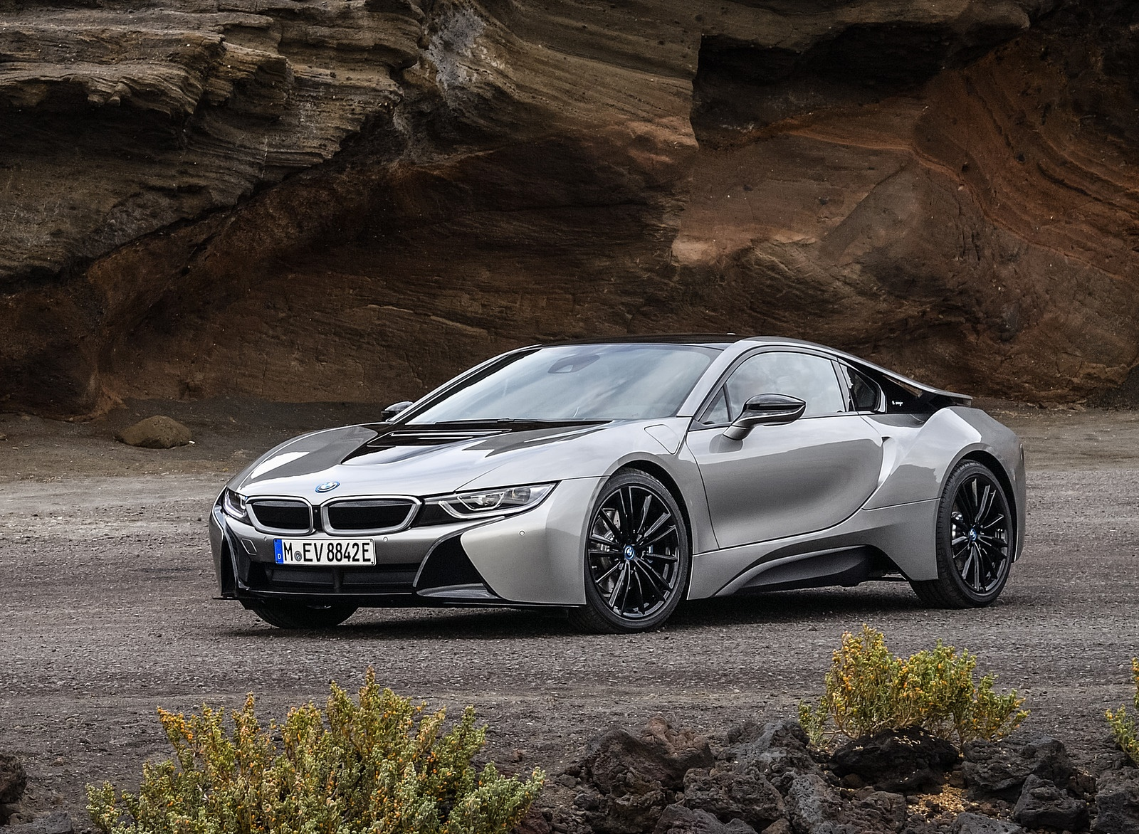 2019 BMW i8 Coupe Front Three-Quarter Wallpaper (12)