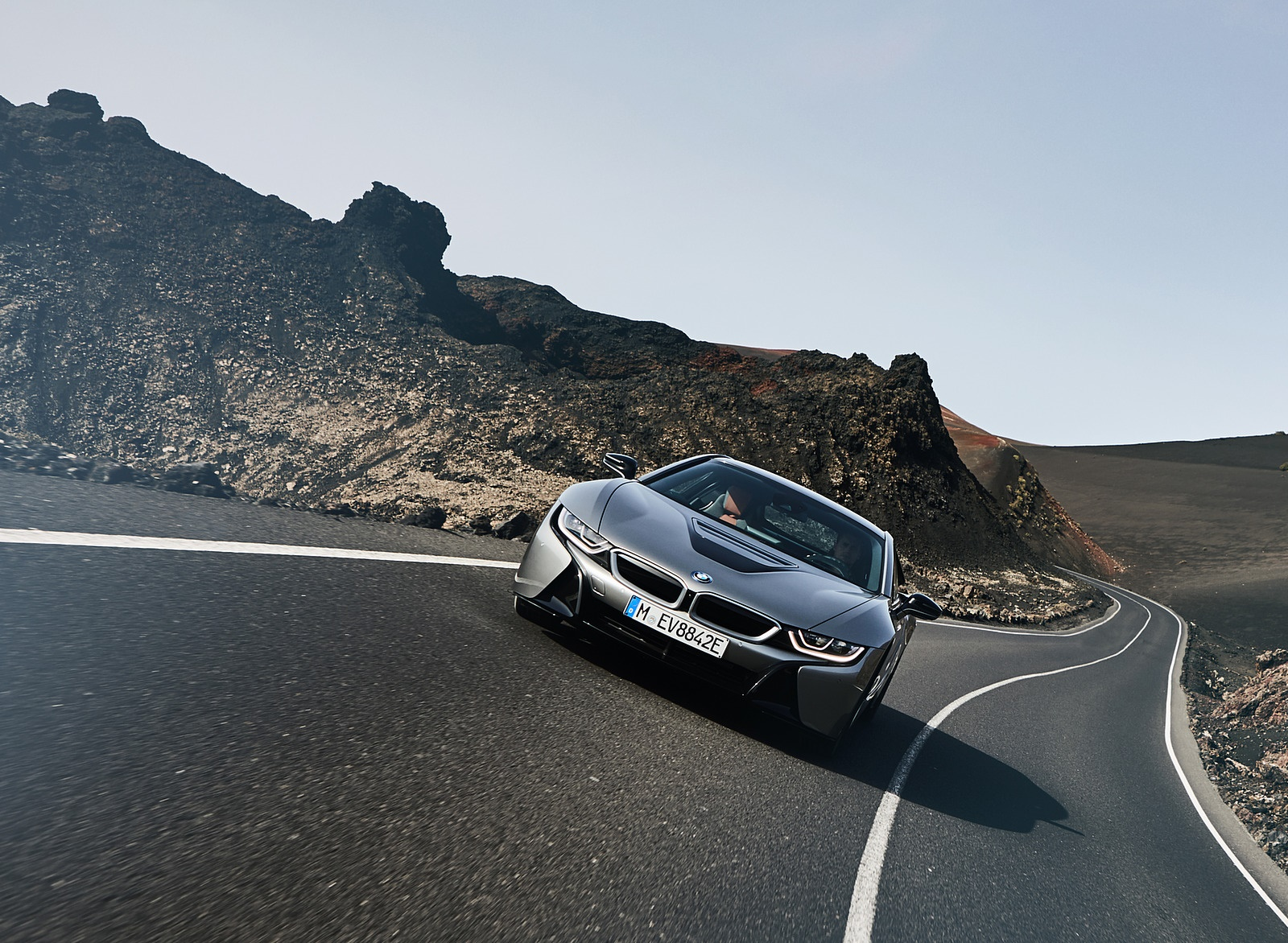 2019 BMW i8 Coupe Front Wallpaper (7)