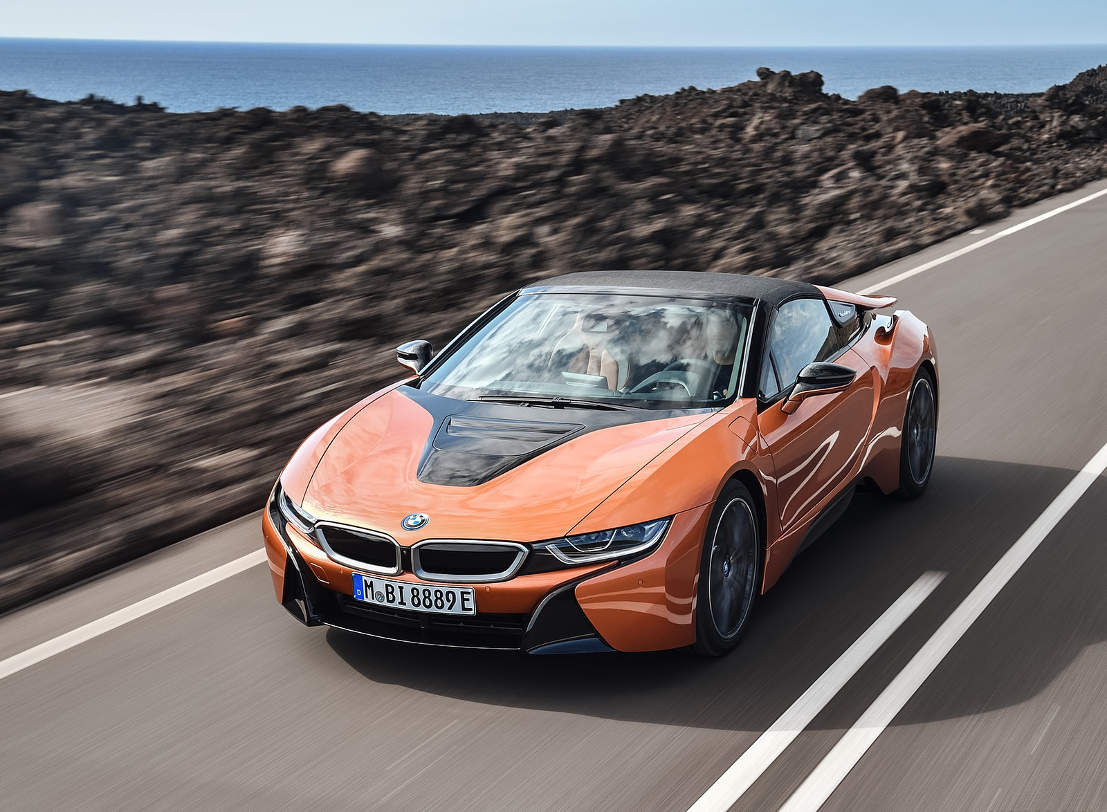 2019 BMW i8 Roadster Front Three-Quarter Wallpapers (4)