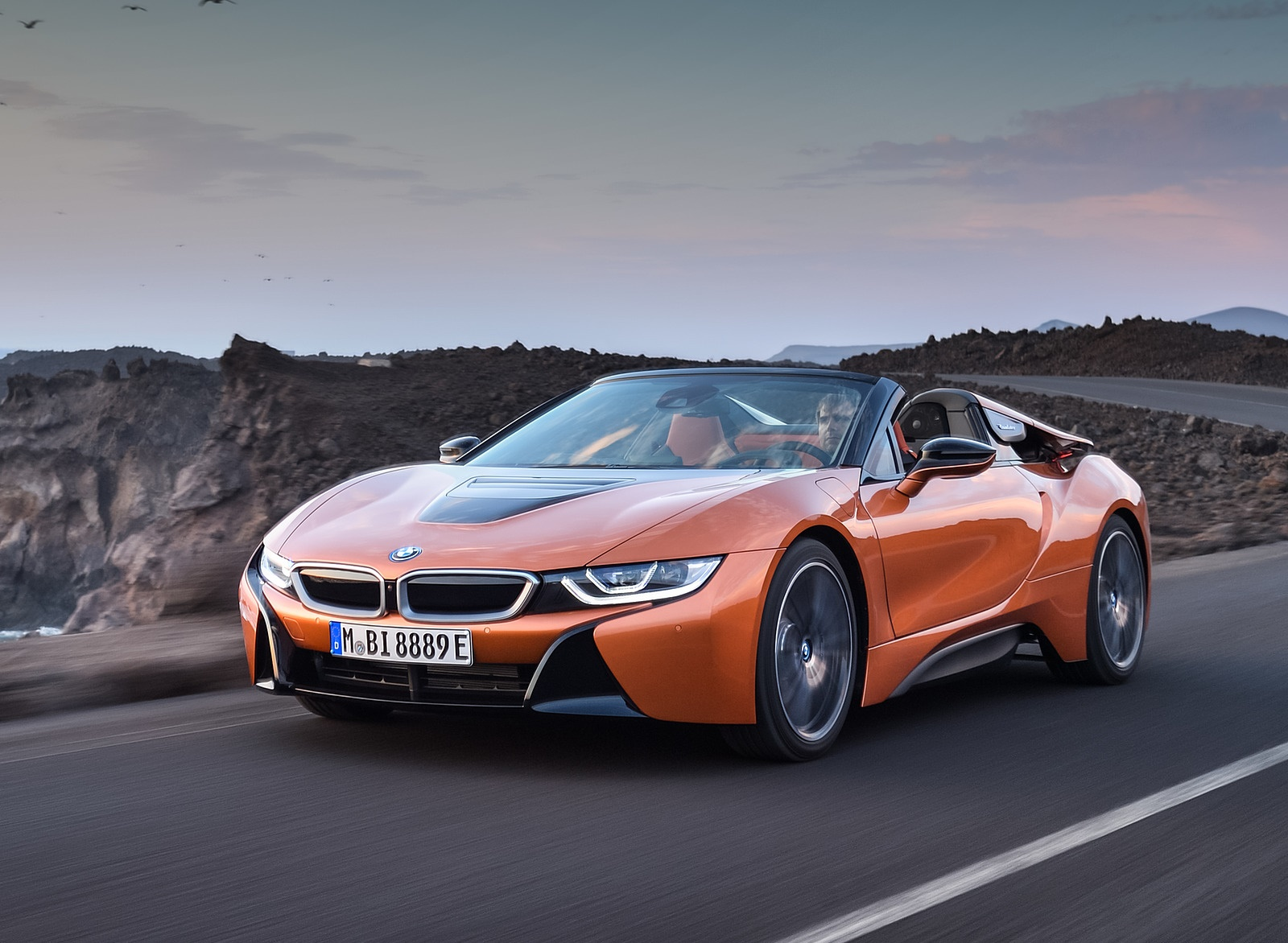 2019 BMW i8 Roadster Front Three-Quarter Wallpapers (3)