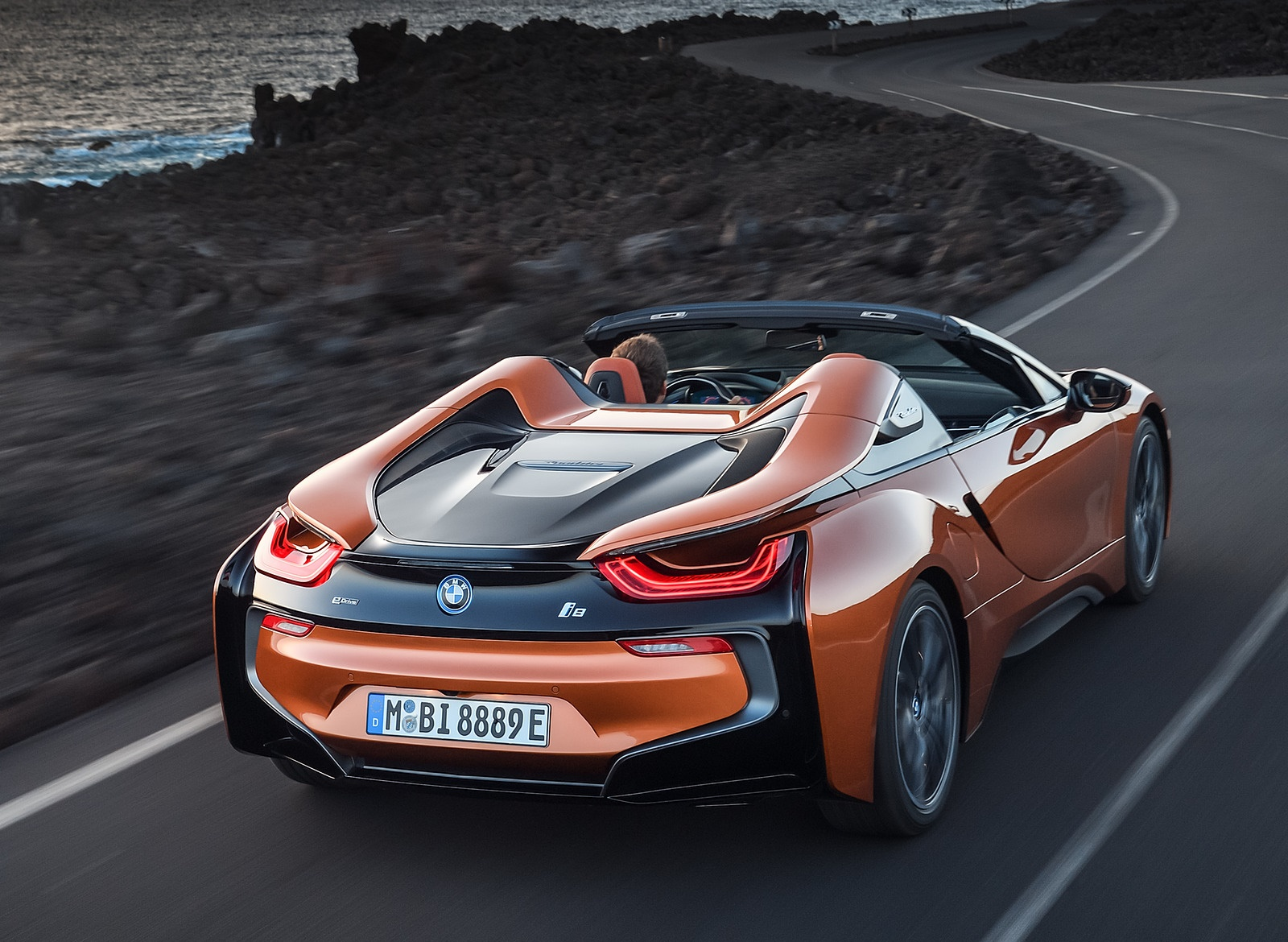 2019 BMW i8 Roadster Rear Three-Quarter Wallpapers (6)
