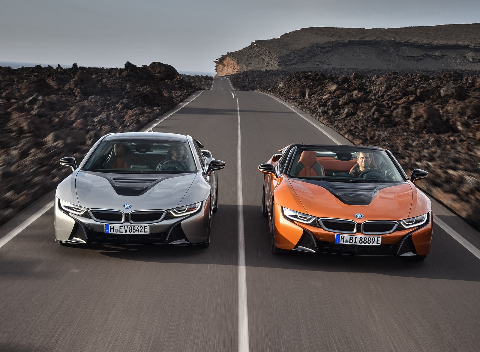 2019 BMW i8 Roadster and Coupe Wallpaper (1)