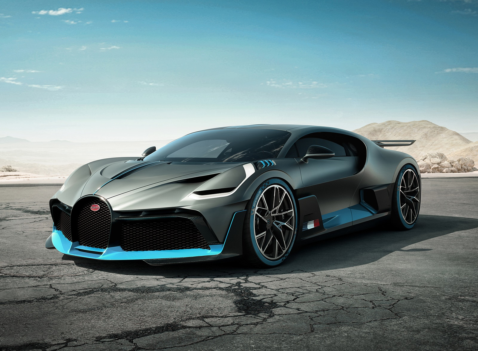 2019 Bugatti Divo Front Three-Quarter Wallpaper (1)