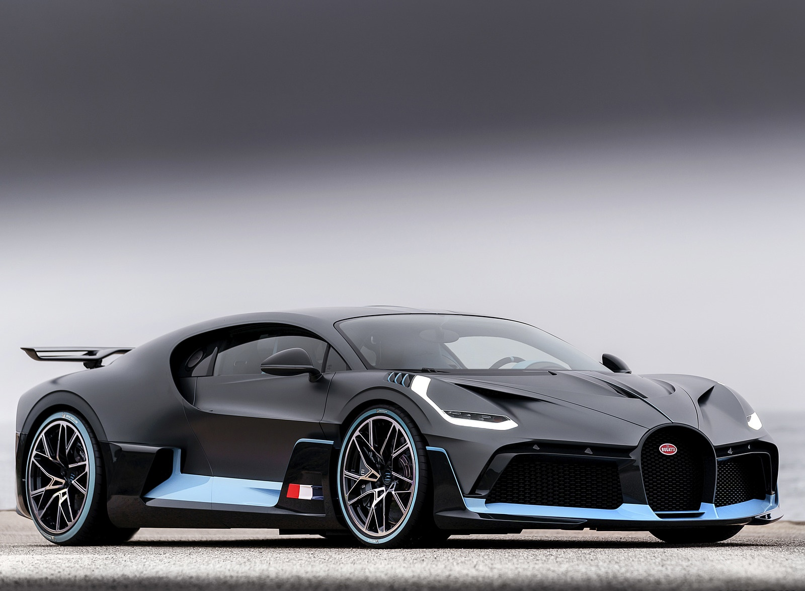 2019 Bugatti Divo Front Three-Quarter Wallpaper (7)