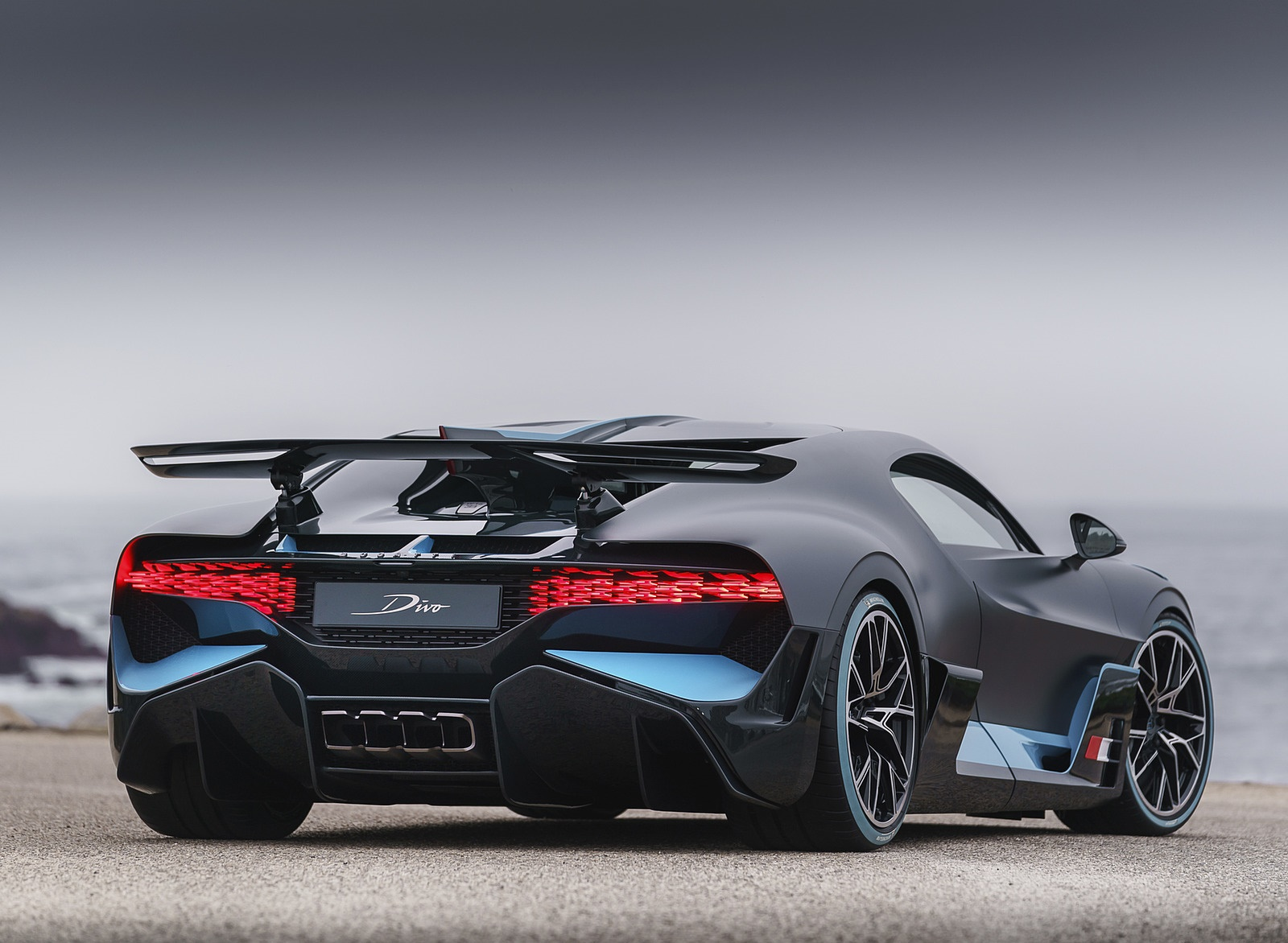2019 Bugatti Divo Rear Three-Quarter Wallpapers (10)