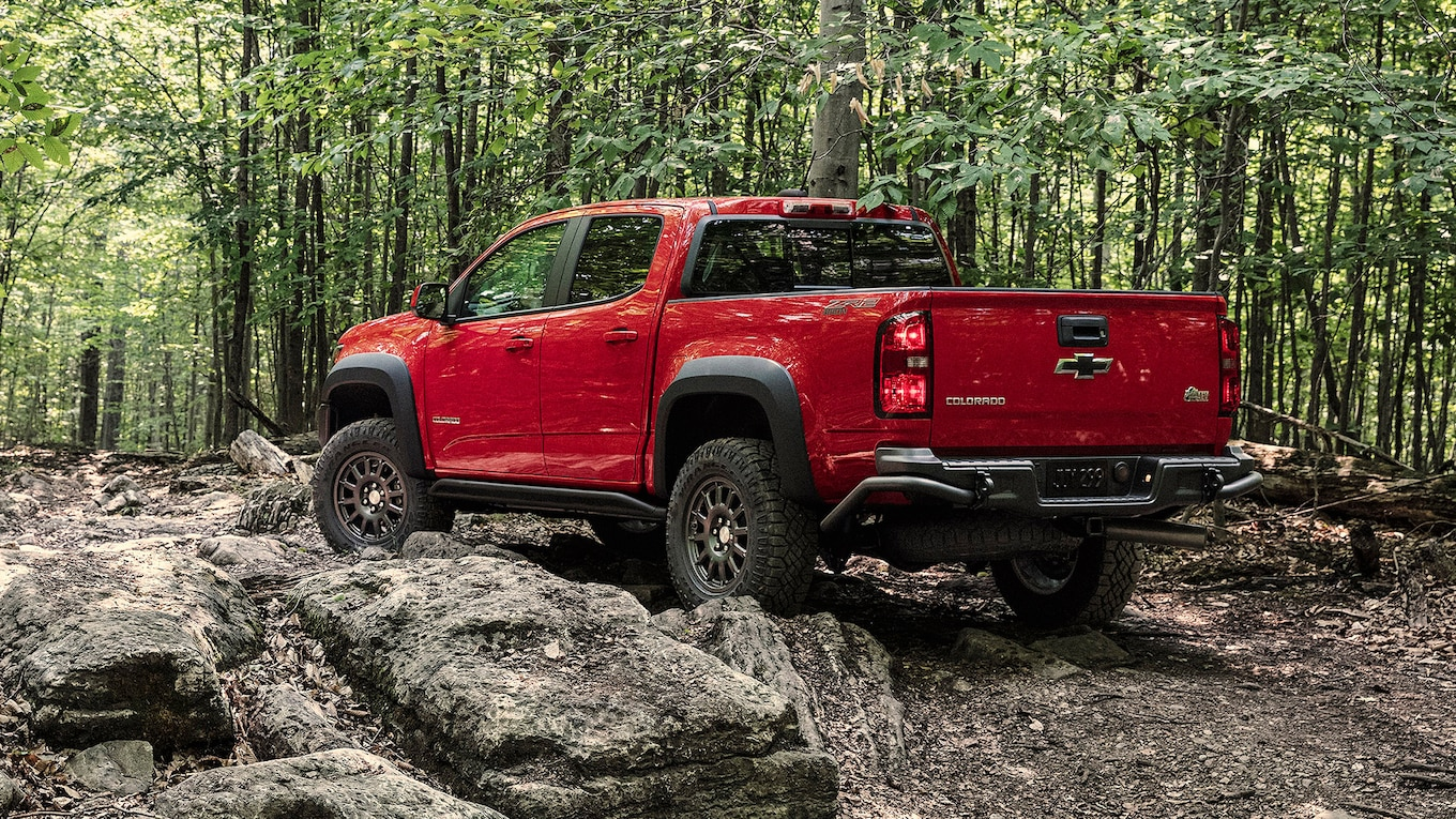2019 Chevrolet Colorado ZR2 Bison Rear Three-Quarter Wallpapers (14)