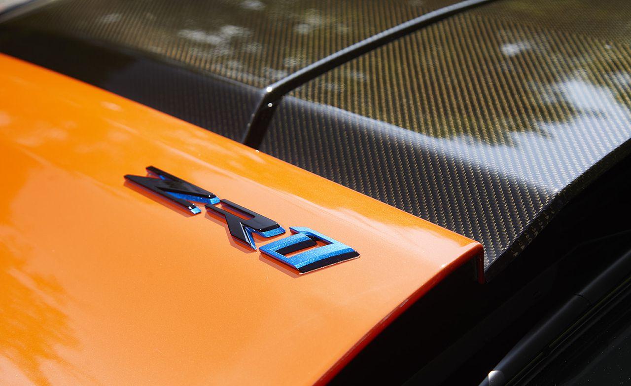 2019 Chevrolet Corvette ZR1 Badge Wallpaper (12)