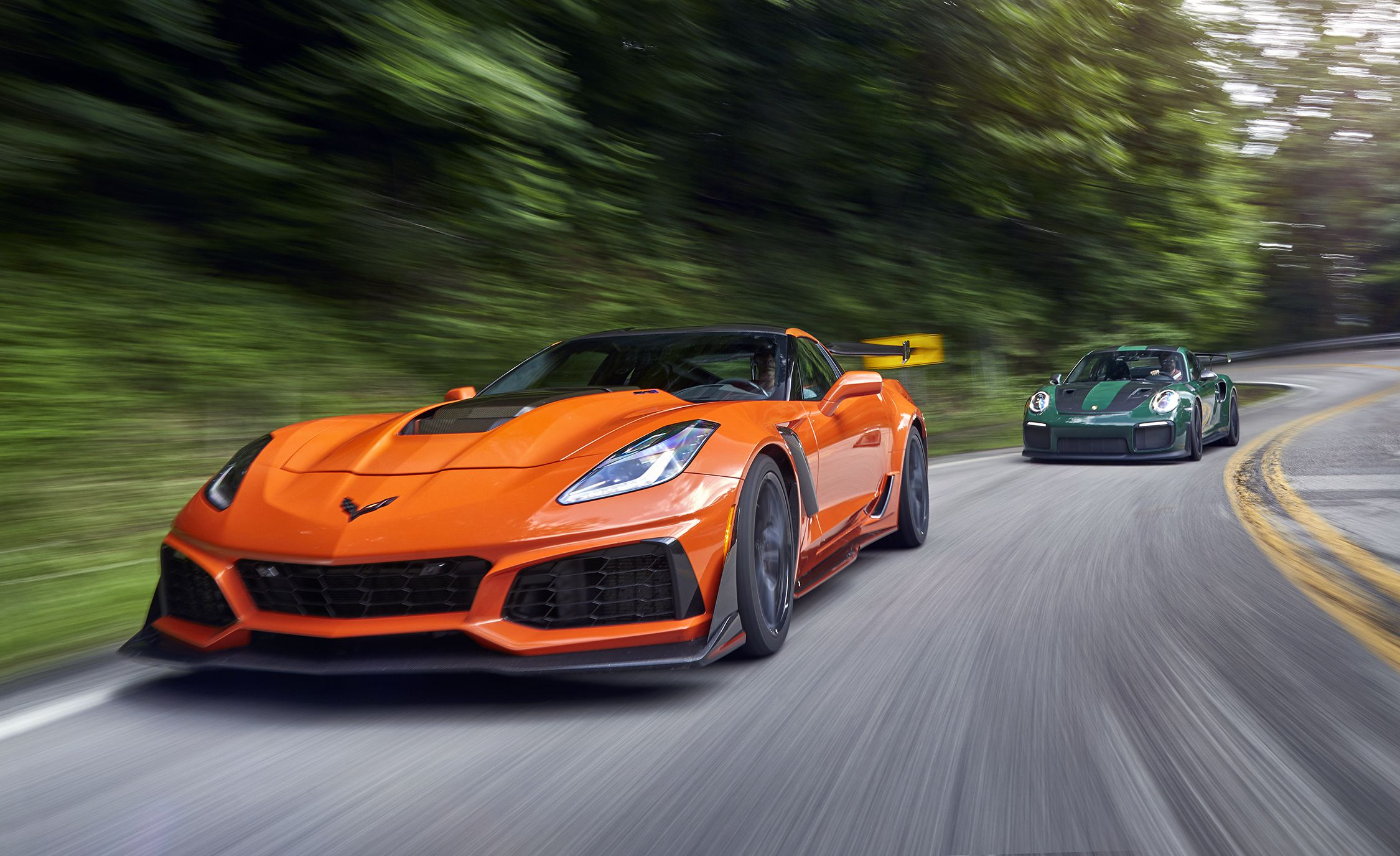 2019 Chevrolet Corvette ZR1 and 2018 Porsche 911 GT2 RS Front Three-Quarter Wallpapers (2)