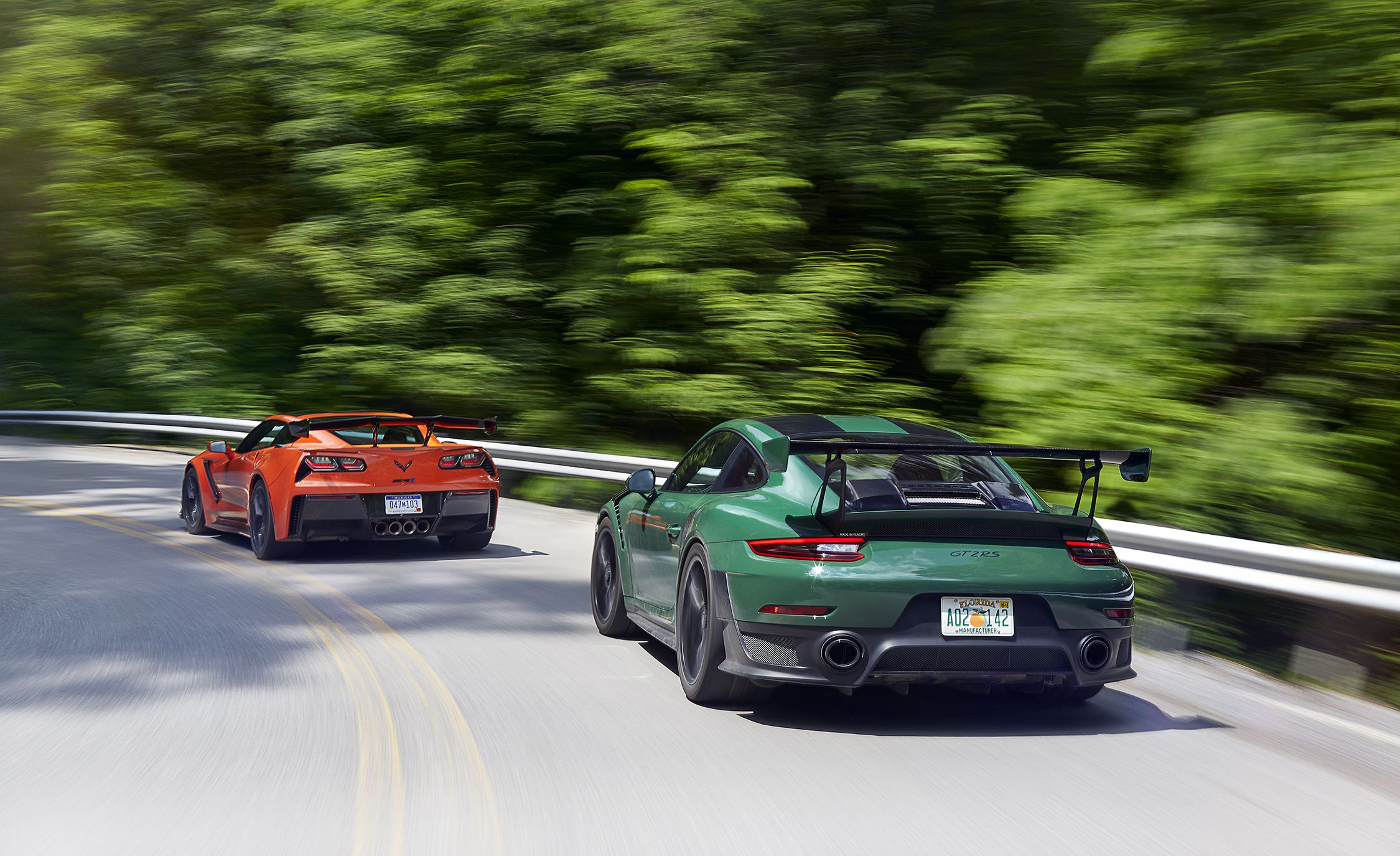 2019 Chevrolet Corvette ZR1 and 2018 Porsche 911 GT2 RS Rear Three-Quarter Wallpapers (5)