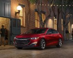 2019 Chevrolet Malibu RS Front Three-Quarter Wallpapers 150x120 (35)