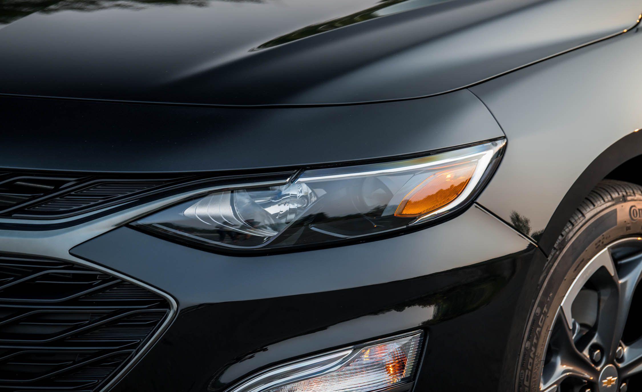 2019 Chevrolet Malibu RS Headlight Wallpaper (14)