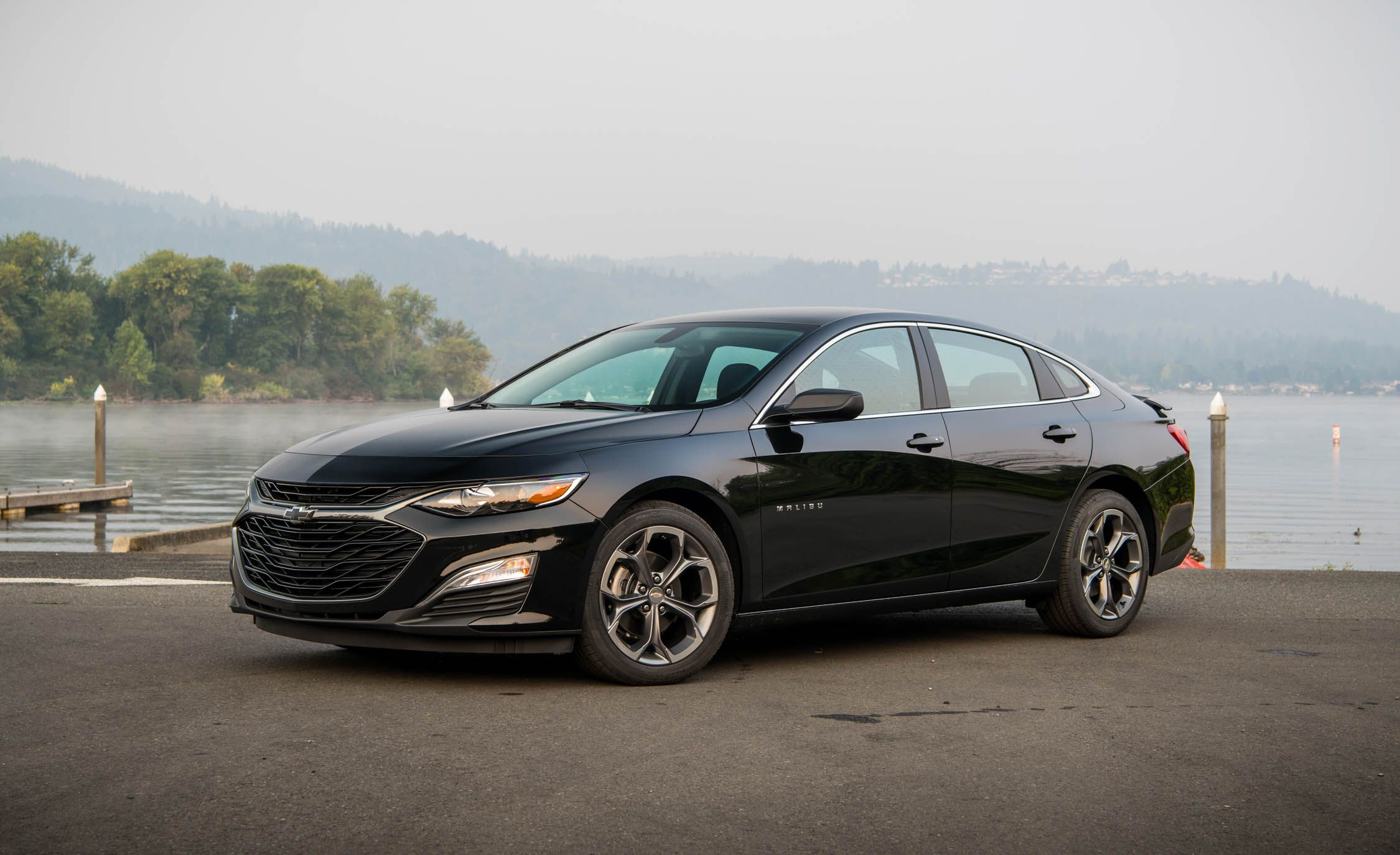 2019 Chevrolet Malibu RS Side Wallpapers (10)