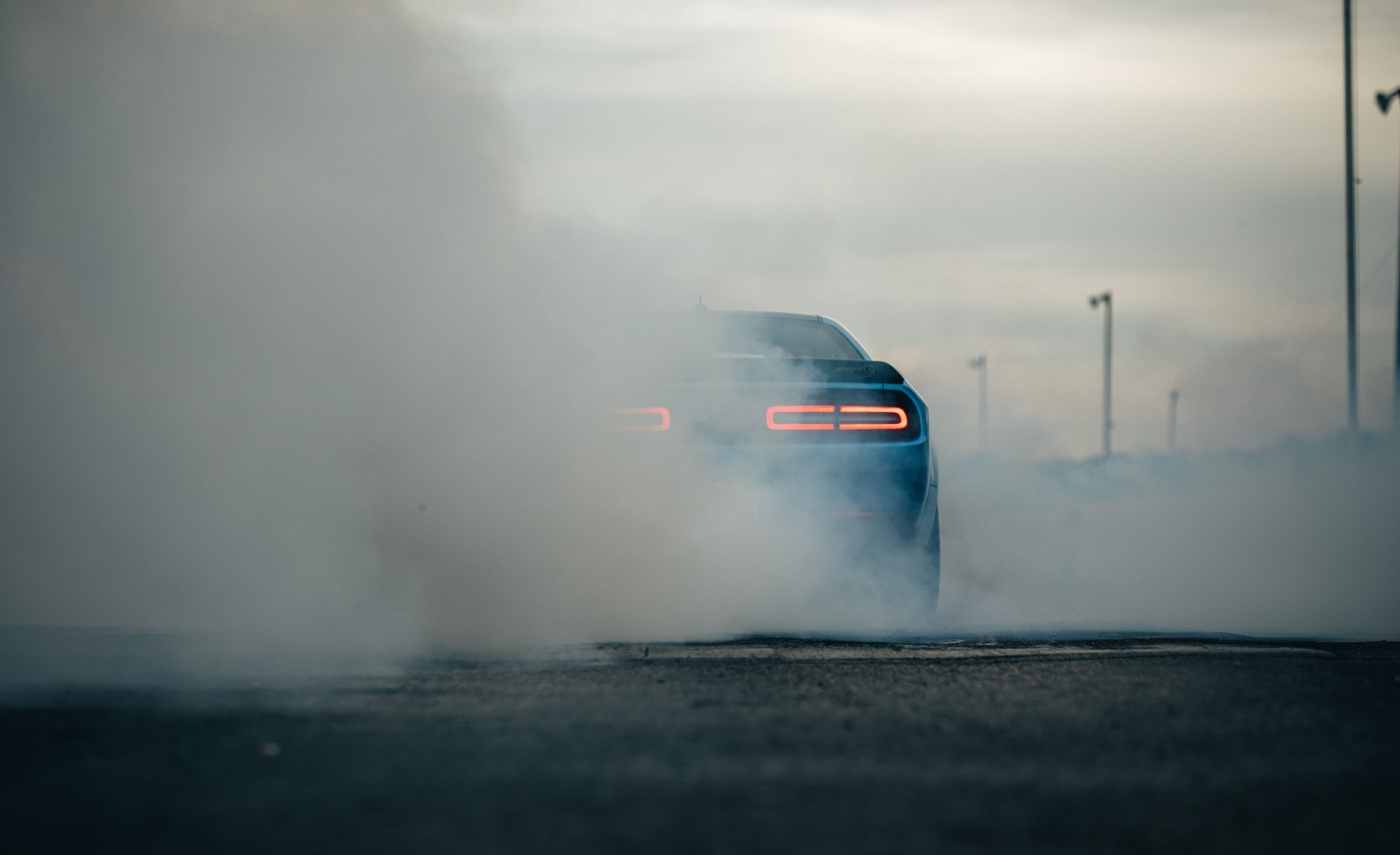 2019 Dodge Challenger SRT Hellcat Redeye Burnout Wallpaper (9)