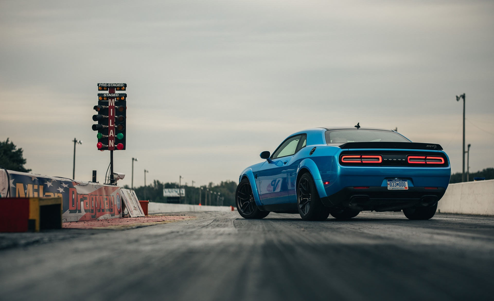 2019 Dodge Challenger SRT Hellcat Redeye Rear Three-Quarter Wallpaper (3)