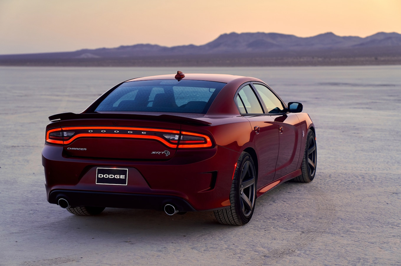 2019 Dodge Charger SRT Hellcat Rear Three-Quarter Wallpaper (4)
